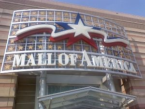 Mall of America Sign from WikiCommons The work of Joe Chill 2